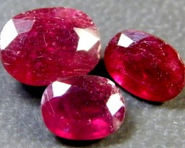 PARCEL BLOOD RED RUBIES 5.60 CTS RM 372