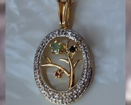 A BEAUTIFUL MULTI GEMSTONE PENDANT & GOLD CHAIN ~ A QUALITY ITEM on NR!