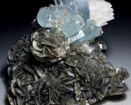 A stunning Piece of Aquamarine with Muscovite , Pakistan