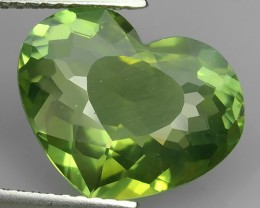 4.78 CTS QUALITY CHARMING HEART NICE PARROT GREEN NATURAL APATITE GEM