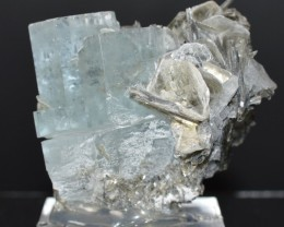 AQUAMARINE 97 grams - RARE lustrous crystals cluster - Pakistan