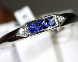 5.85-CTS  SAPPHIRE RING BLUE AND WHITE    SG-2649