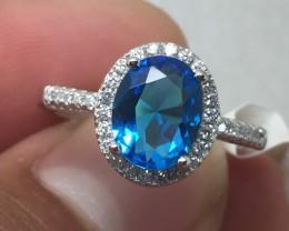 (B3) Gorgeous Nat 2.25ct.  Aquamarine & Wht Topaz Ring