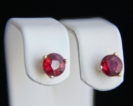 18k yellow Gold Hallo Earrings With 2.48 ct Composite Rubies.