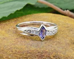 N/R Natural Iolite 925 Sterling Silver Ring Size 6 (SSR0425)
