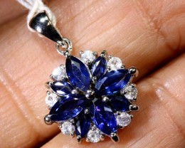 8.9 CTS - SAPPHIRE PENDANT BLUE AND WHITE  SG-2707