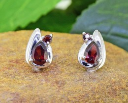 N/R Natural Garnet 925 Sterling Silver Earrings(SSE0438)