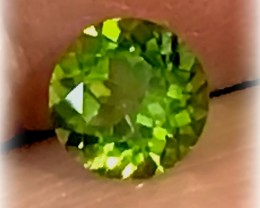 Exciting Desirable Bright Peridot Gem - 7.11mm No reserve