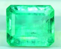 Next bid wins Certified 1.94 cts Eemrald cut Colombian Emerlad gemstone