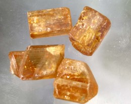 27.45-CTS IMPERIAL TOPAZ ROUGH  PARCEL  RG-2983