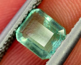 0.75 ~ Carats Clean Colombian  Lustorious Emerald gemstone