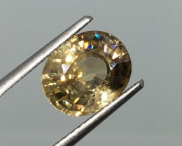 3.63 Carat VS Zircon Soft Gold  - Unheated - Tanzania - Super Flash !