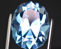 22.75 Ct Natural  Stunning Blue Topaz Gemstone