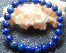 Beautiful beacelet  blue lapiz  beads stones 109.10 cts