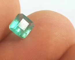 Emerald - 0.70 CTS - Light green - Rectangular cut - Oiled - Brazil
