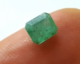 Emerald - 0.85 CTS - Light green - Rectangular cut - Oiled - Brazil