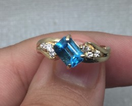 (A2) Designer $1500 Nat. 1.0ct Sky Blue Topaz & Diamond Ring 14K YG