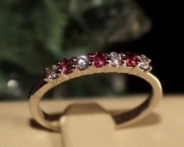 Natural Garnet Silver Ring Size (6 1/4) 0229