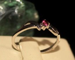 Natural Garnet Silver Ring Size (5.5) 0234