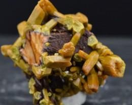 Pyromorphite - 49 grammes - Les Farges, Ussel, France - RARE