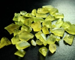 102 CT Natural - Unheated Green Apatite Rough lot