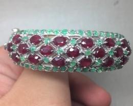 (B) Stunning Nat 126.1tcw.  Ruby & Emerald Bangle