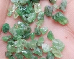 70 PCS GREEN GARNET ROUGH GEMSTONE PARCEL  Natural+Untreated VA518
