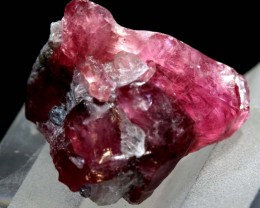 18.25CTS -SPINEL ROUGH SPECIMEN   RG-3100