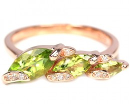 17.82cts Green Peridot 925 Sterling Silver Ring US 8.25