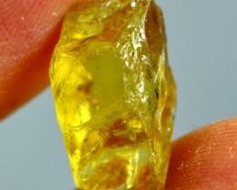 8.30 CT Natural & Beautiful Yellow Heliodor Beryl Rough