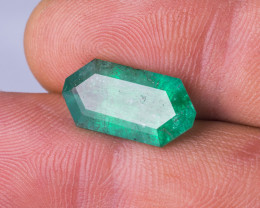 Untreated - 6.75 CTS - Emerald Fancy Cut - Intense Green - Brazil