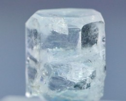25.05 CT Natural & Unheated Sky Blue Aquamarine Rough Crystal