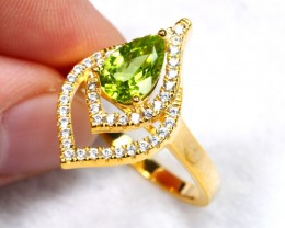 21.94cts Green Peridot 925 Sterling Silver Ring US 8.75