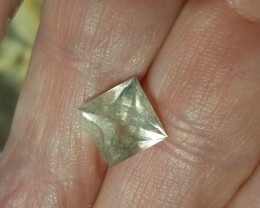 3.75ct White Topaz  (untreated) I2
