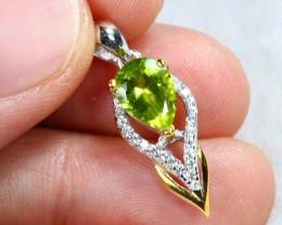 8.76cts Green Peridot Sterling 925 Silver Pendant