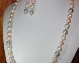 MULTI-COLORED CULTURED PEARL NECKLACE W/EARRINGS