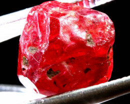 8.90CTS -SPINEL ROUGH   RG-3208