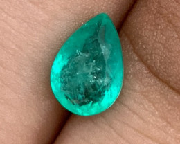 1.75 cts Colombian Emerald - No Reserve Auction