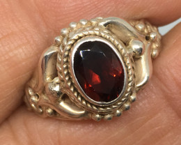 1.47 Carat Garnet Mozambique Artisan Sterling Silver Ring - Exquisite !