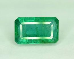 2.85 Carats Top Grade Stunning Lustrous Emerald Cut Emerald Loose Gemstone
