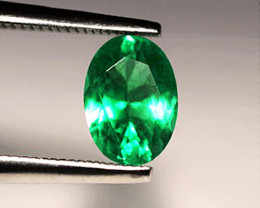 1.19 ct Natural Emerald .  Gorgeous Top  Stone!