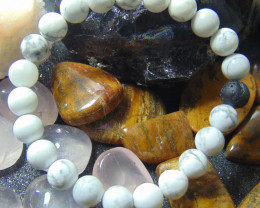 collective PIECES Howlite  beads bracelet