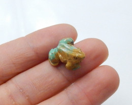 11.5cts handcarved  green turquoise frog animal cabochon beads  (A515)