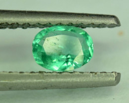 No Reserve - 0.50 Carats Colombian Emerald Gemstone
