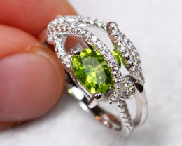 17.8cts Green Peridot 925 Sterling Silver Ring US 6.75