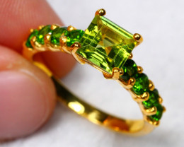 17.55cts Green Peridot 925 Sterling Silver Ring US 8.75