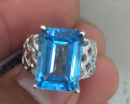 (B8) Superb Nat 5.75ct. Blue Topaz Ring