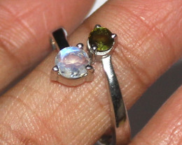Natural Green Tourmaline & Rainbow 925 Silver Ring Size (8.5 US) 9