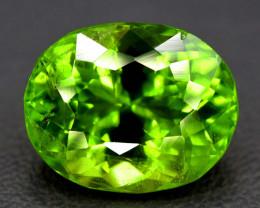 8.25 Carats Top Quality Oval Shape Peridot Gemstone