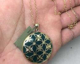 (B9) Cert. $1300 Natural 34.15cts. Genuine Green Oynx Necklace 10K YG 6.76g